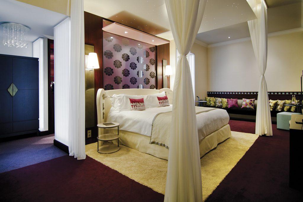 http://www.accorhotels.com/2783