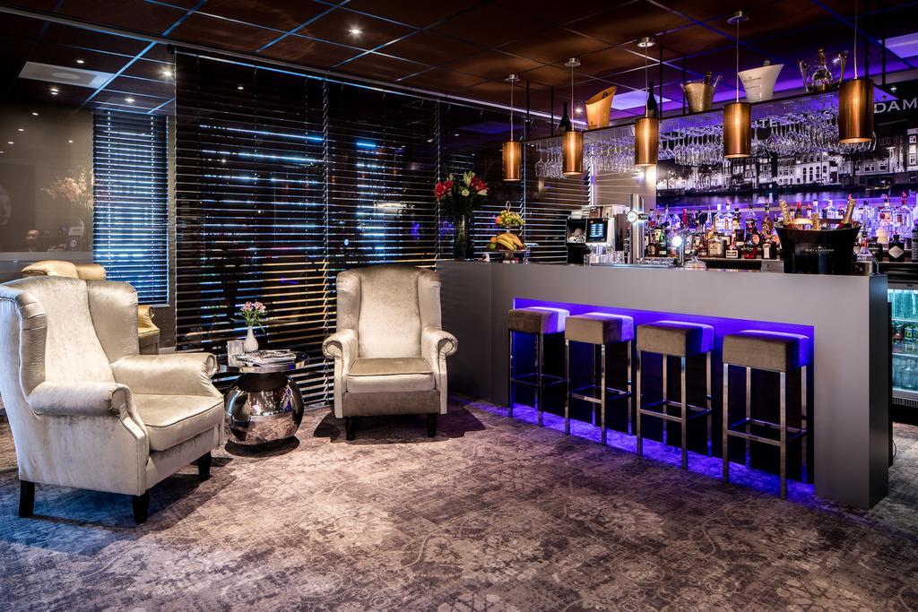 Luxury-Suites-Amsterdam-bar