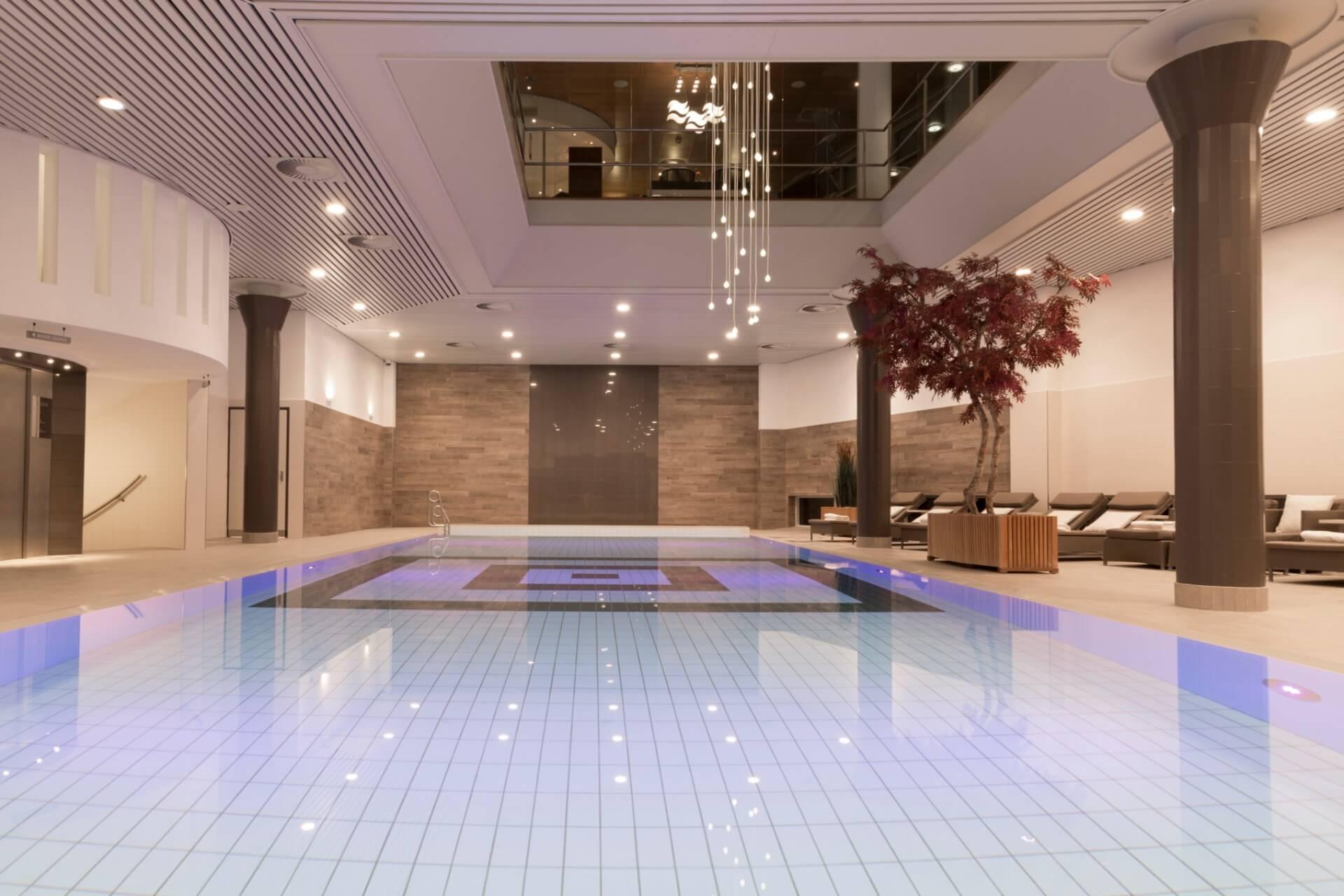swimming-pool-nagomi-health-hotel-okura-amsterdam